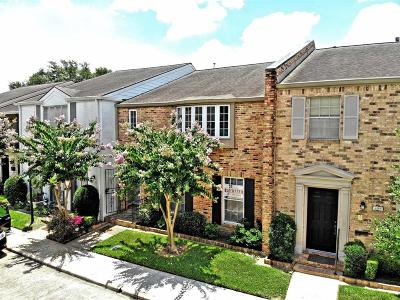 Houston Condo/Townhouse For Sale: 657 N Post Oak Lane