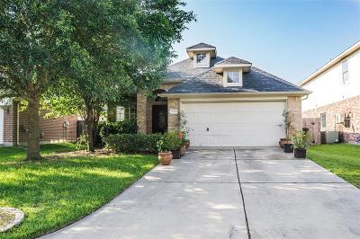 Pinehurst Single Family Home Pending Continue to Show: 32022 Decker Oaks Drive