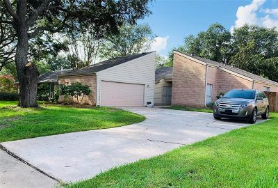 Houston Single Family Home For Sale: 15707 Creekhaven Drive