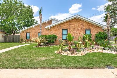 La Porte Single Family Home For Sale: 10427 Carlow Lane