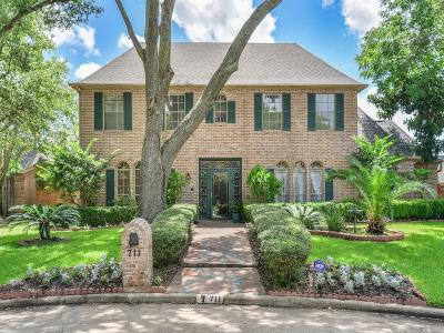 Houston Single Family Home For Sale: 711 Daria Court