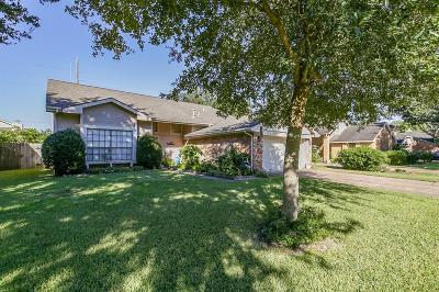 Sugar Land Single Family Home For Sale: 3031 Pecan Point Drive