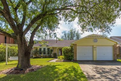 La Porte Single Family Home For Sale: 10912 Mesquite Drive