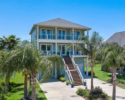 Pirates Cove Single Family Home For Sale: 13806 Windlass Circle