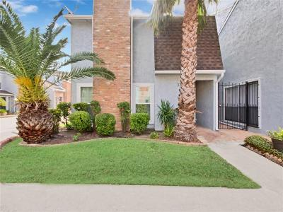 Houston Condo/Townhouse For Sale: 3200 S Gessner Road #330