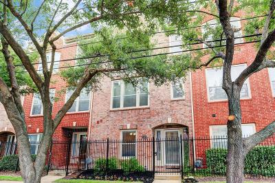 Houston Condo/Townhouse For Sale: 5422 Chartres Street