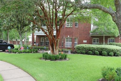 League City Single Family Home For Sale: 1116 River Court W