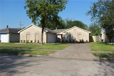 La Porte Single Family Home For Sale: 3849 Pecan Circle