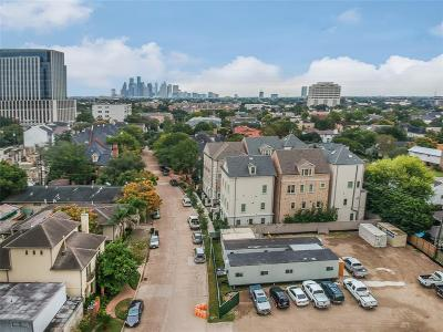 Houston Multi Family Home For Sale: 2406 Mimosa Drive #7