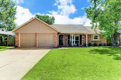 Friendswood Single Family Home For Sale: 4315 Townes Forest Road