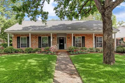 Houston Single Family Home For Sale: 10050 Piping Rock Lane