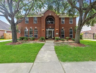 Pearland Single Family Home For Sale: 3110 W Oaks Boulevard