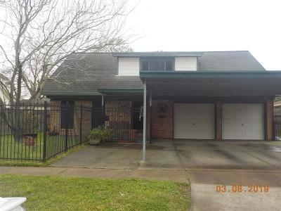 Pasadena Single Family Home For Sale: 2614 Raspberry Lane