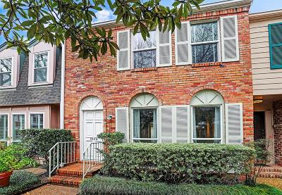 Houston Condo/Townhouse For Sale: 5834 Valley Forge Drive #211