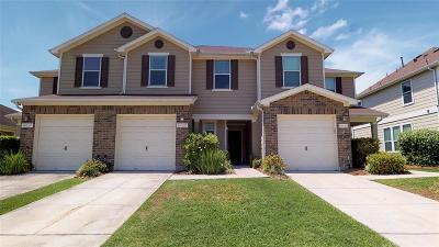 Tomball Condo/Townhouse For Sale: 16129 Limestone Lake Drive #B14