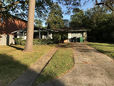 Oak Forest Single Family Home For Sale: 1519 Hewitt Drive