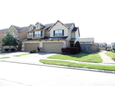 Fort Bend County Condo/Townhouse For Sale: 3947 Calgary Circle