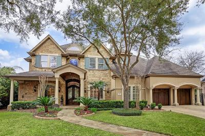 Sugar Land Single Family Home For Sale: 23 Royal Hampton Court