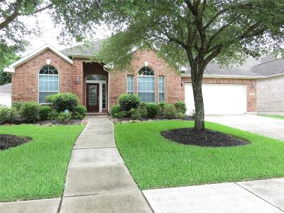 League City Single Family Home For Sale: 208 Forest Creek Drive