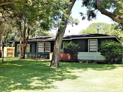 Lake Jackson Single Family Home For Sale: 55 Post Oak Court