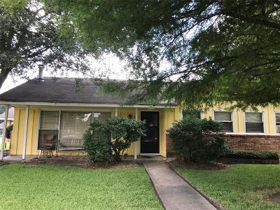 Houston Single Family Home For Sale: 6803 Ridgeway Drive