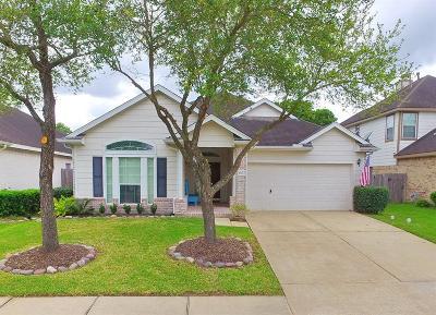 Pasadena Single Family Home For Sale: 1627 Pebble Banks Lane