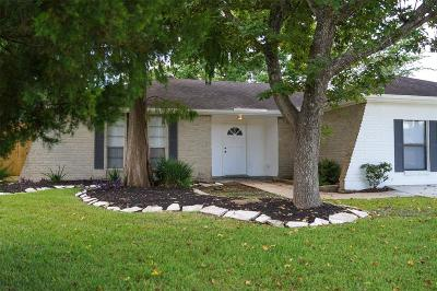 Friendswood Single Family Home For Sale: 16414 Paint Rock Rd Road