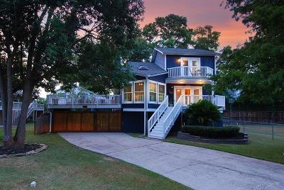 Kemah Single Family Home For Sale: 2112 E Winn Street