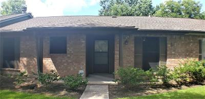 Friendswood Condo/Townhouse For Sale: 4006 Laura Leigh Drive