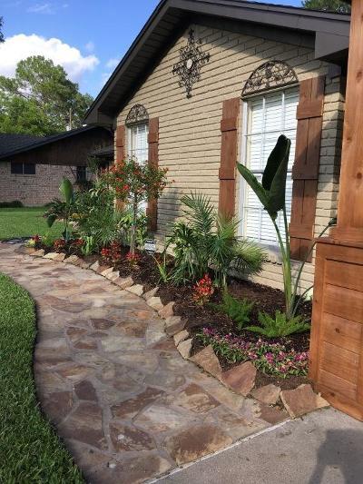 Sweeny Single Family Home For Sale: 1108 Avenue B