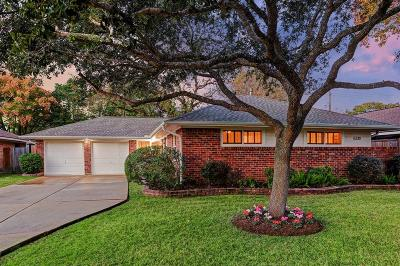 Houston Single Family Home For Sale: 6230 Shadow Crest Street