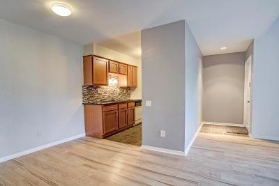 Houston Condo/Townhouse For Sale: 1860 White Oak Drive #212
