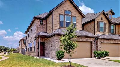 Houston Condo/Townhouse For Sale: 14926 Wicker Brook Trail