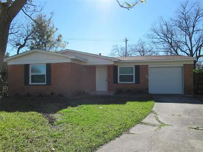 Houston TX Single Family Home For Sale: $137,900