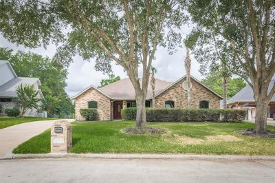 League City Single Family Home For Sale: 2319 Acacia Street