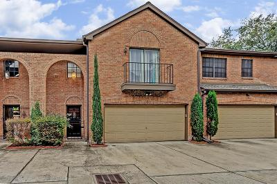 Houston Single Family Home For Sale: 5630 Fairdale Lane #2