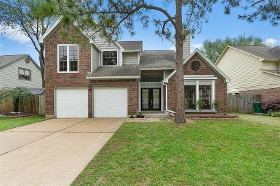 Single Family Home For Sale: 15135 Cranbourne Drive