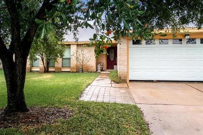 La Porte Single Family Home For Sale: 742 Sugar Hill Drive
