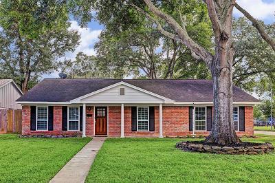 Houston Single Family Home For Sale: 14135 Barryknoll Lane