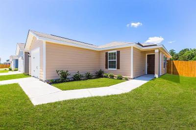 Single Family Home For Sale: 27024 Leonardo Drive