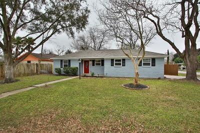 Houston Single Family Home For Sale: 12402 Foxridge Drive