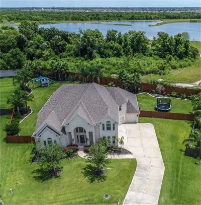 Friendswood Single Family Home For Sale: 2220 Lakeway Drive