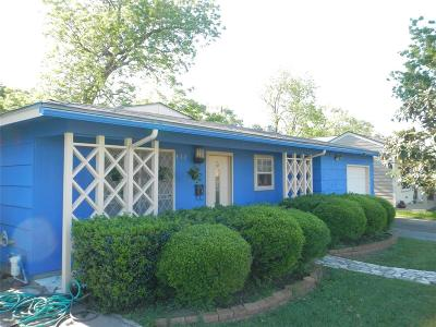 Pasadena Single Family Home For Sale: 312 Glenmore Drive