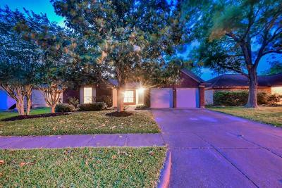 Friendswood Single Family Home For Sale: 4618 Stonemede Drive