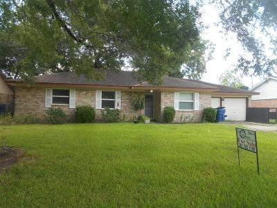 Alvin Single Family Home For Sale: 320 Windsor Square