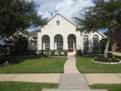 Pearland Single Family Home For Sale: 2301 Bell Creek Court