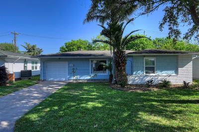 Galveston Single Family Home For Sale: 124 Tuna Street