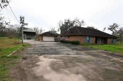 Angleton Single Family Home For Sale: 279 Westwood Road