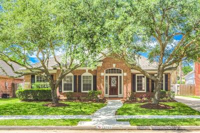 Single Family Home For Sale: 13702 Heron Field Court