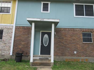 La Porte Condo/Townhouse For Sale: 1204 Montana Street